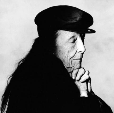 米雪/Irving Penn 所拍摄的名人肖像作品。
