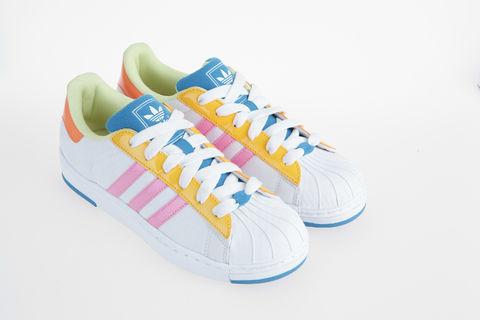 个性 街拍/作为adidas Originals家族的明星鞋款,2014,Superstar每月呈现...